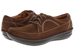 Alegria Mens Hewlett Choco Nubuck  casual comfort laced shoe