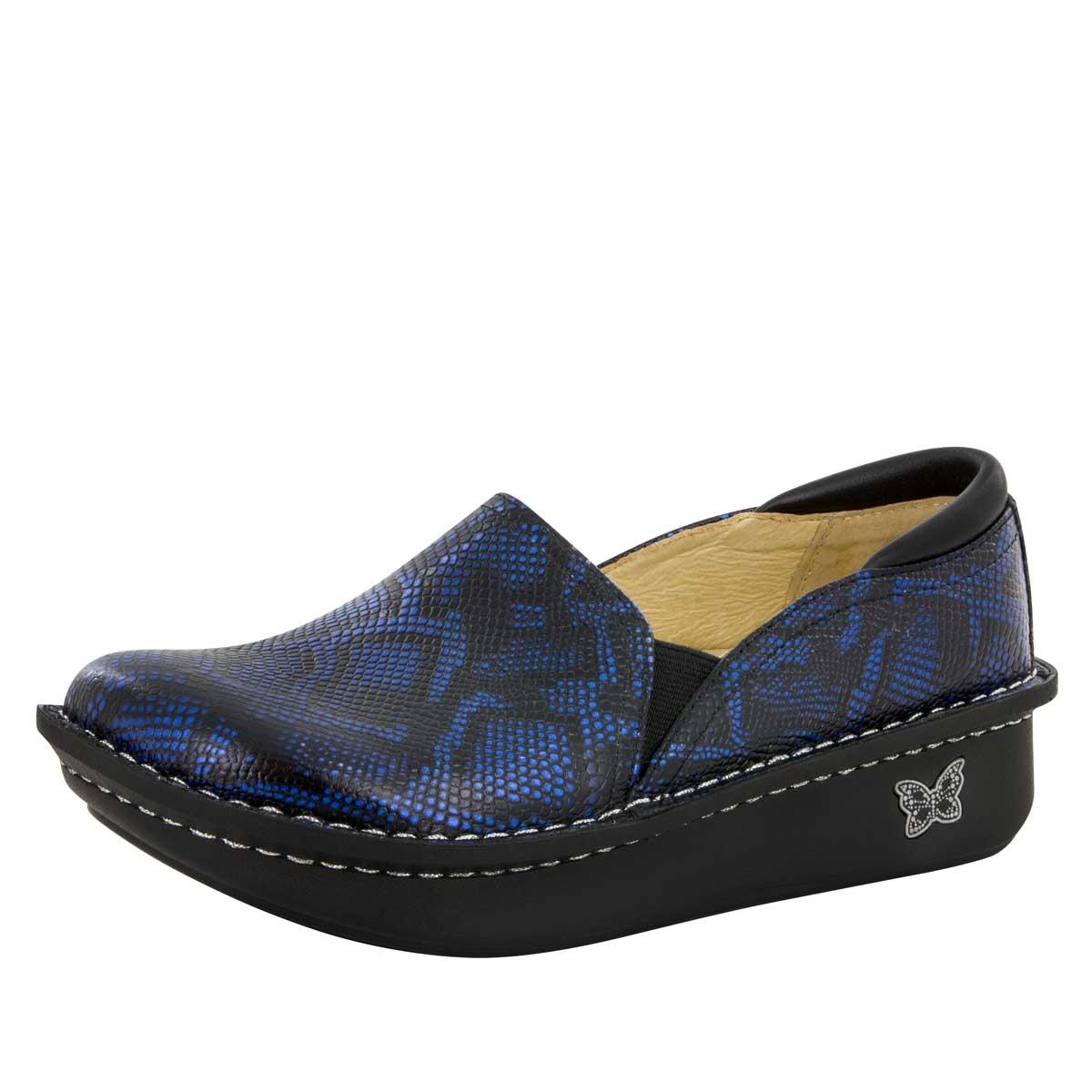Best Shoes For Nursing Home