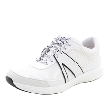 Traq Qarma White Shoe